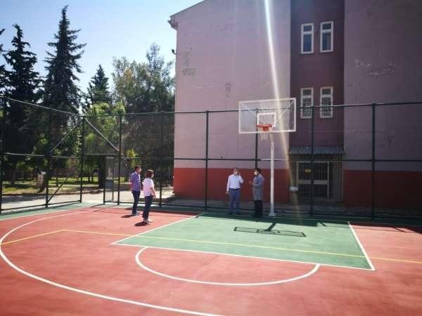 Adana'da 16 okula spor sahası yaptırıldı