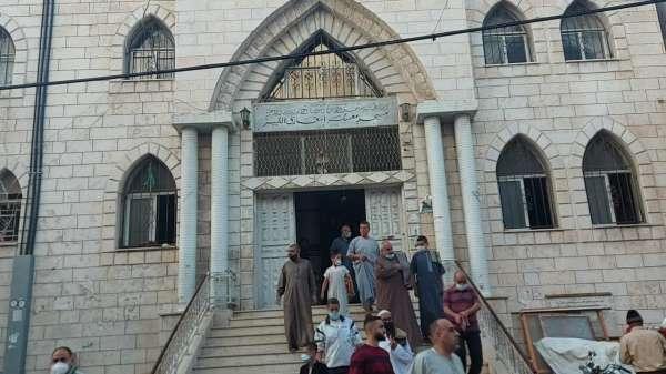 Gazze Şeridinde, İsrail saldırılarının gölgesinde bayram namazını kıldı