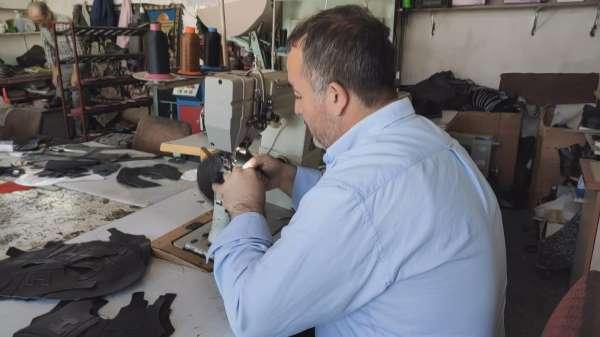 Kayseride ürettiği ayakkabıları Türkiyenin dört bir yanına satıyor