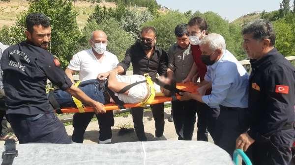 Kazada yaralanan genci kimse sakinleştiremedi