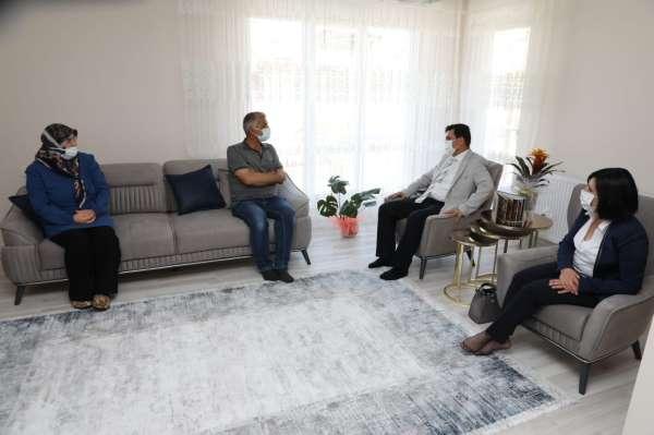 Vali Aslantaş, Ramazan Bayramının ilk gününü şehit ve gazi aileleri ile birlikte geçirdi