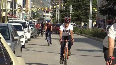 Bu ilçe 7'den 70'e herkes bisiklet kullanıyor
