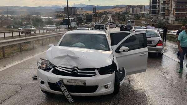 Kırıkkalede trafik kazası: 2 yaralı