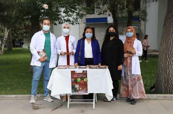 Atatürk Üniversitesinde Tıbbi Çaylar hakkına bilgi verildi
