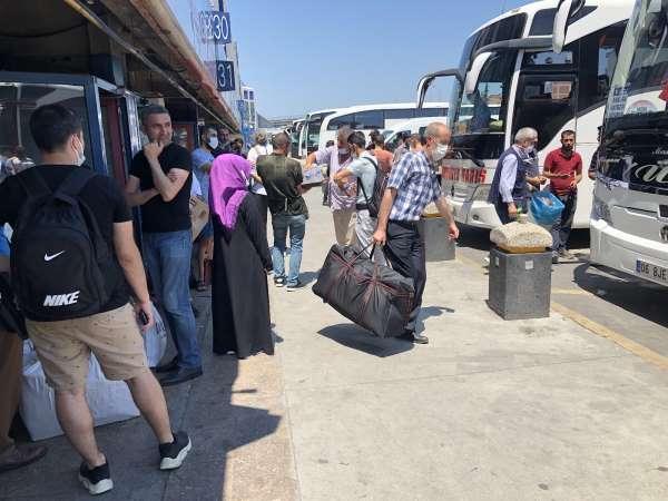 Otogarda yoğunluk başladı, erken rezervasyon öneriliyor