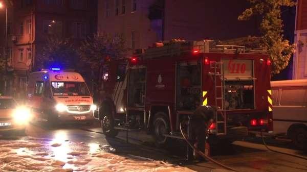 Alkollü gençler kaza yaptı lüks otomobil alev alev yandı