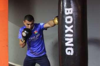 Azerbaycanlı sporcu Aykhan Mammadov, gençleri savunma sporlarına teşvik ediyor
