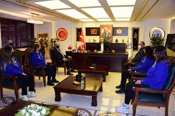 Bizim Kızlardan Başkan Bakkalcıoğluna ziyaret