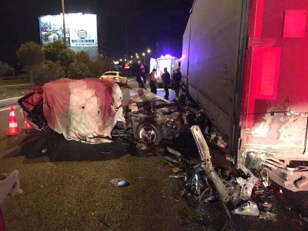 Kokoreç kazaya neden oldu: 1 kişi öldü, 1 kişi ise ağır yaralandı