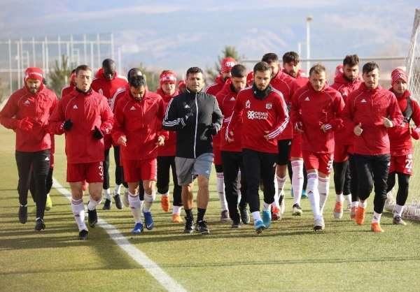 Sivasspor, Fenerbahçe'ye hazırlanıyor
