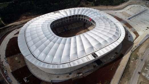 (Özel haber) Adanada yeni stadın çatısı tamamlandı