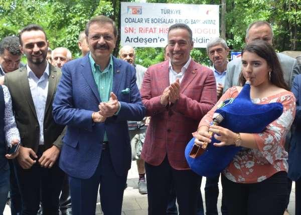 Türkiye Odalar ve Borsalar Birliği (TOBB) Başkanı M. Rifat Hisarcıklıoğlu Rize'd