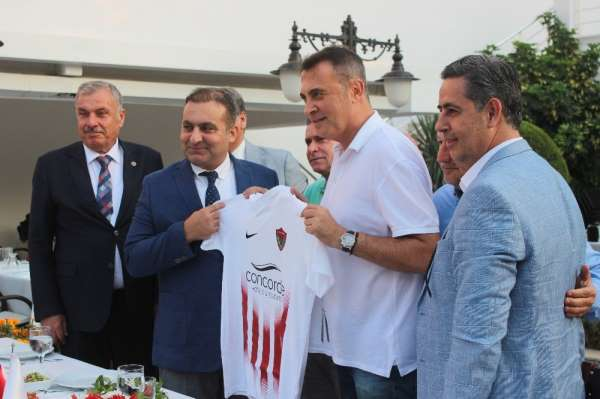 Hatayspor ve Antakya Belediyespor'dan Fikret Orman'a forma