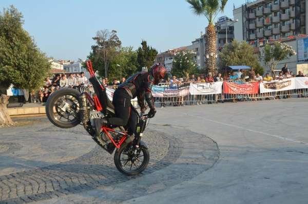 Kuşadası motosiklet karnavalı başladı