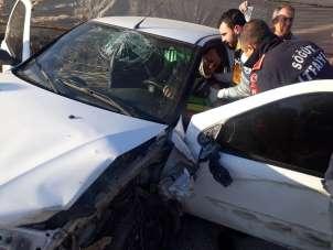 Bilecik'te meydana gelen trafik kazasında 2 kişi yaralandı