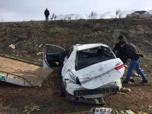 Kazada yaralanan göç idaresi personelinin tedavisi sürüyor