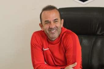 Mehmet Özdilek'ten transfer açıklaması!