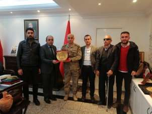 Şehit yakınlarından Diyarbakır Jandarma Bölge Komutanı Başoğlu'na ziyaret