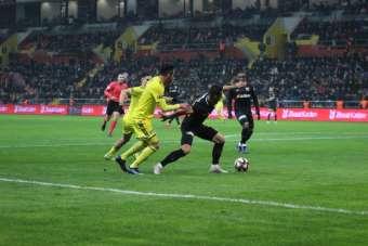 Ziraat Türkiye Kupası: Kayserispor: 0 - Fenerbahçe: 0 (İlk Yarı)