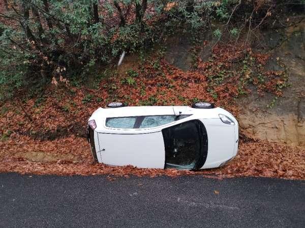 Uyuşturucu satıcısı polisten kaçarken kaza yaptı: 2 yaralı