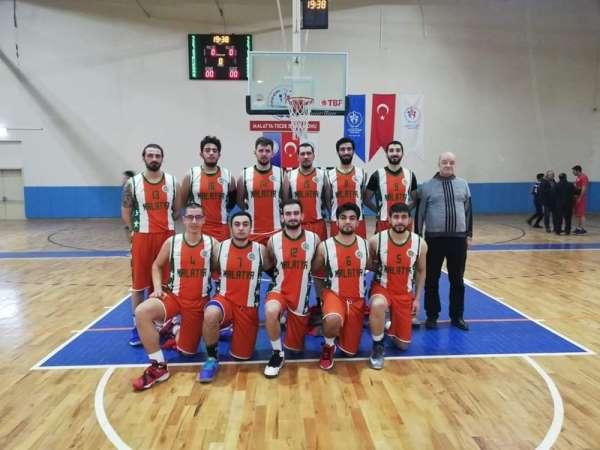 Büyükşehir Erkek Basketbol Takımı sezonu namağlup tamamladı