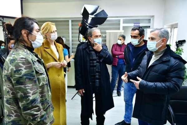 Başkan Çınar, Yeşilyurtta çekilen Gırift dizi setini ziyaret etti