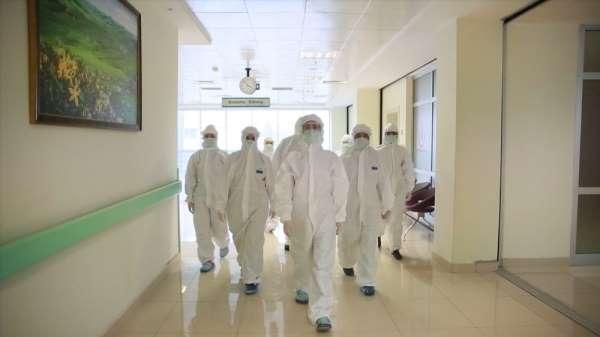 Pandeminin kahramanları kamera karşısına geçti