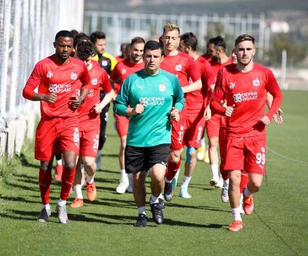 Sivassporda Kasımpaşa maçı öncesi 8 eksik!