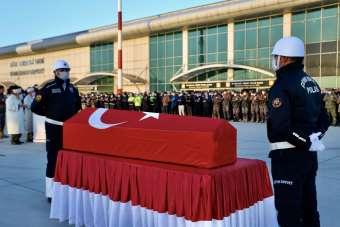 Türkiye-İran sınırında şehit olan polis memleketi Denizli'ye gönderildi