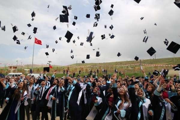 Bayburt Üniversitesinde diploma tesliminde yeni dönem