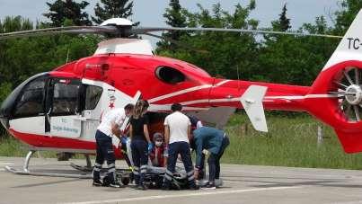 Kalp krizi geçiren kadının yardımına ambulans helikopter yetişti