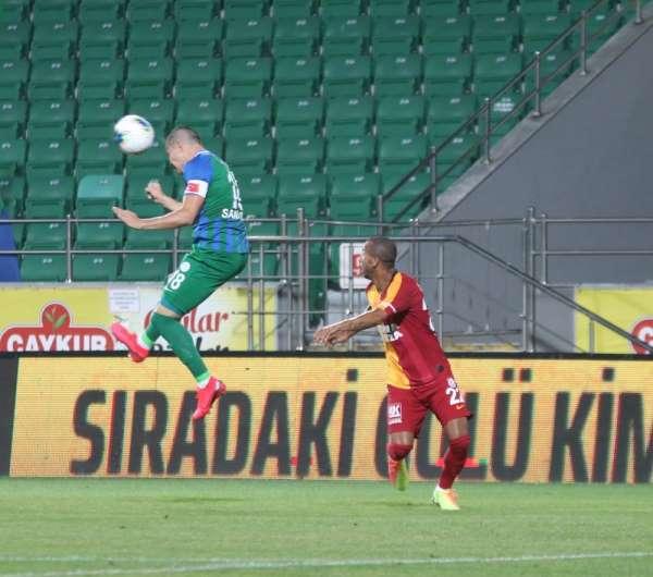 Süper Lig: Çaykur Rizespor: 1 - Galatasaray: 0 (İlk yarı)