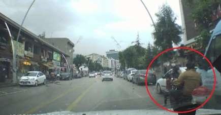 Ucuz atlatılan kaza anı araç içi kamerasına yansıdı