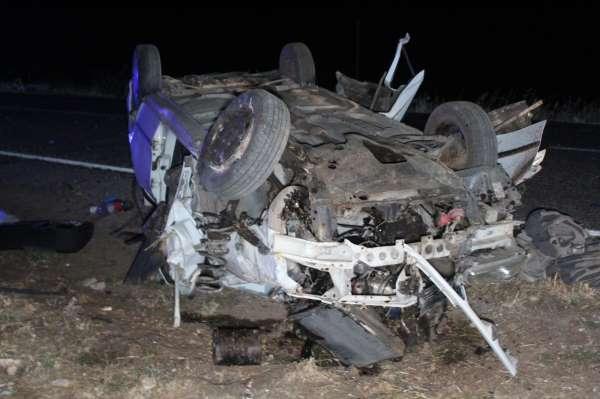 Gaziantepte taziye dönüşü feci kaza: 3 ölü, 2 yaralı