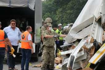 Kocaeli'de 1 ölümlü kaza sonrası kapanan TEM Otoyolu 3 saat sonra trafiğe açıldı