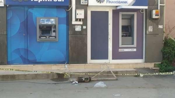 Bursada görünmez kaza...Para çekerken üzerine caraskal düştü