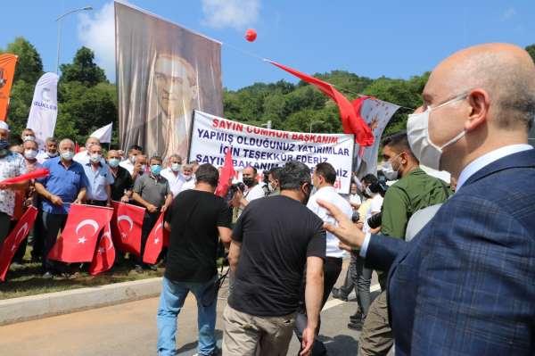 Cumhurbaşkanı Erdoğan Ankaradan katıldı, Bartın yolu görkemli törenle açıldı