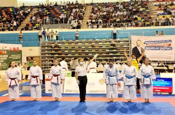 Denizli Büyükşehir Belediyespor Türkiye Şampiyonu
