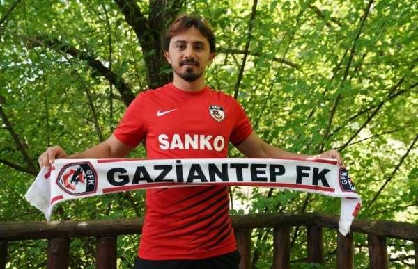 Denizlisporun başarılı oyuncusu Recep Niyaz, Gaziantep FK ile sözleşme imzaladı