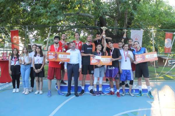 Gürsuda sokak basketbolu turnuvası