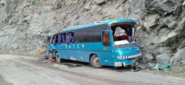 Pakistanda otobüste patlama: 10 ölü, 39 yaralı