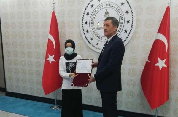 Resim yarışmasında Türkiye ikincisi oldu