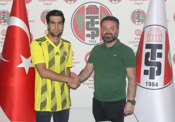 Turgutluspor Mustafa Emirhan Özyaşar ile 2 yıllık anlaşma imzaladı