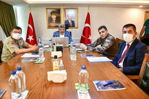 Vali Bilmez, 15 Temmuz şehitlerinin aileleriyle görüştü