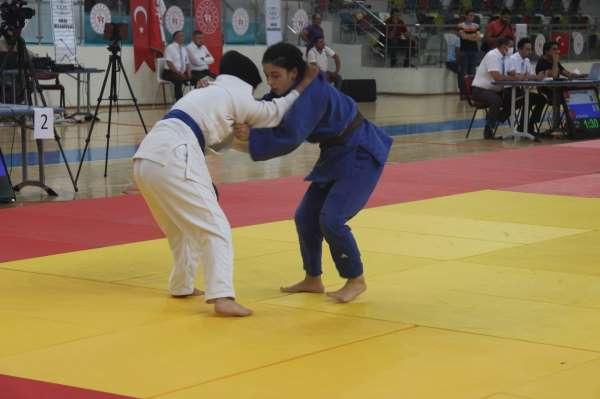 Yıldızlar Judo turnuvası Kiliste başladı