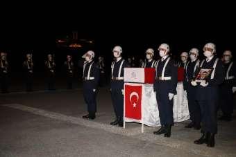 Yüksekova'da şehit olan Jandarma Astsubay Kıdemli Çavuş Sinan Aktay memleketine uğurlandı.