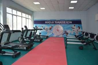 Sinop'ta halka ücretsiz spor merkezi açıldı