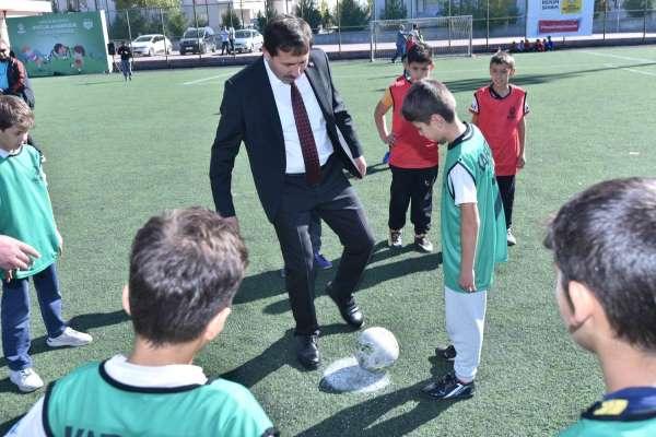Karatay Belediyesinden ilkokullar arası dostluk ve kardeşlik futbol turnuvası