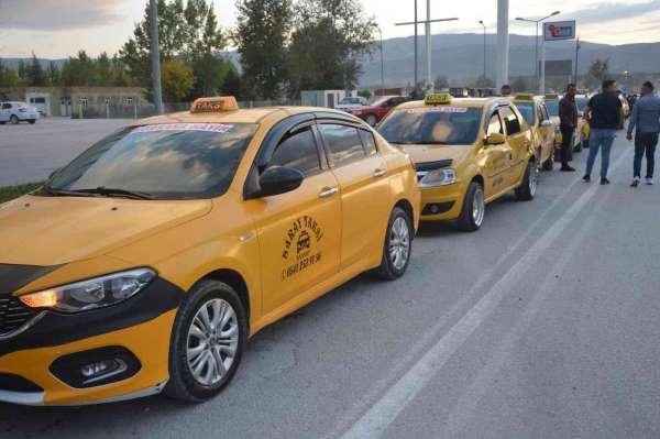 Niksarda taksicilerden Korsan protestosu