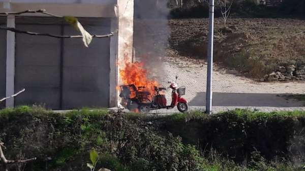 Elektrikli motosiklet alev aldı